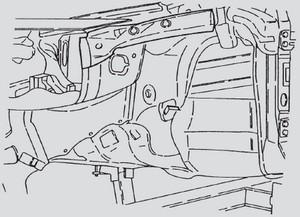 Wzmacnianie połączenia podłużnicy łoża przedniego z przegrodą czołową i słupkiem A