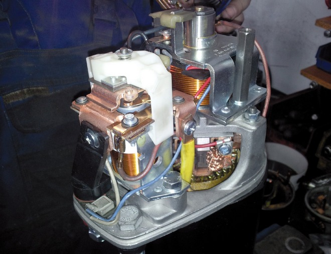 rozruszniki i alternatory